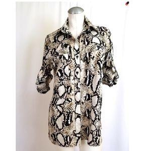 Ellen Tracy Size XS Animal Print Button Down Shirt